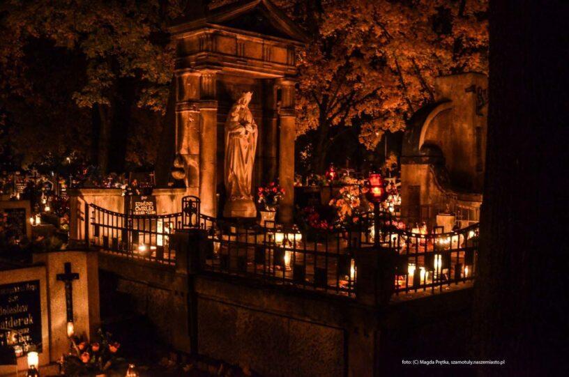 Rozświetlony cmentarz w Szamotułach